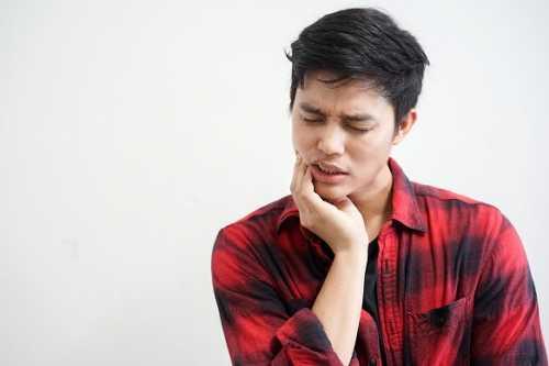 牙痛時吃消炎藥就可以解決問題嗎?